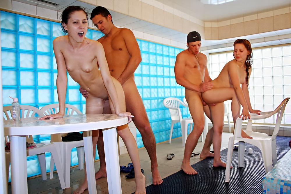 порно в аквапарке видео - 1